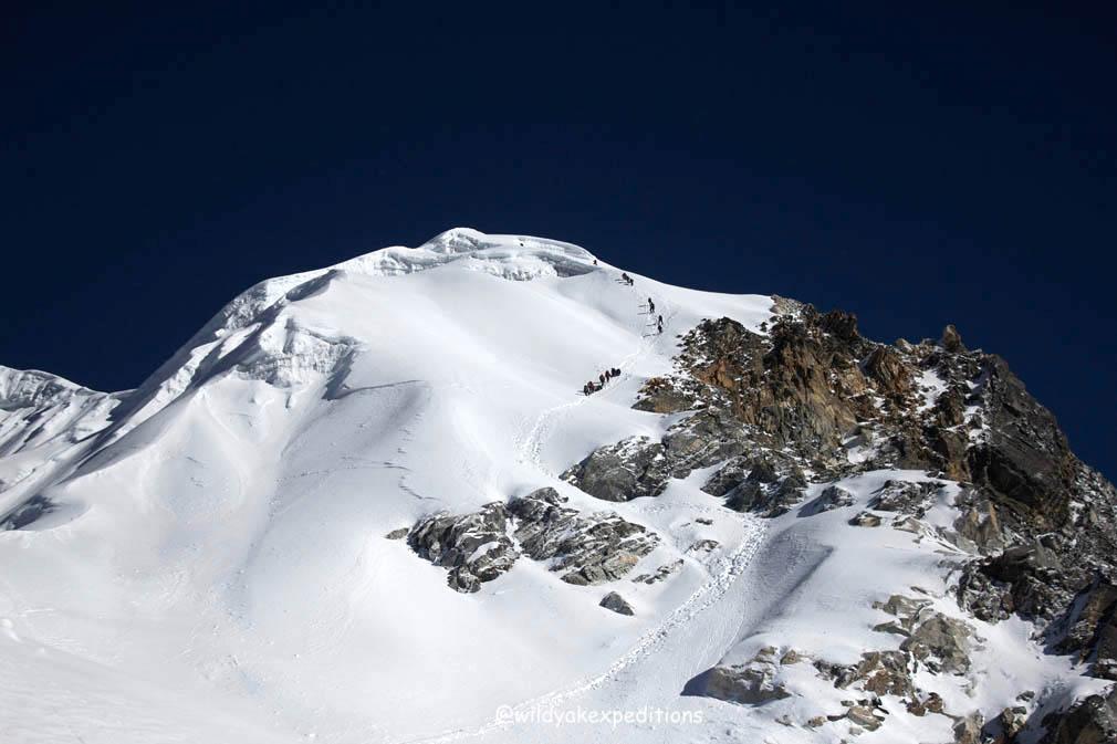 Lobuche peak 04